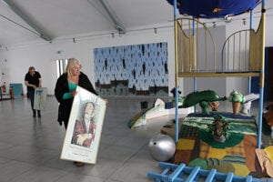 Príprava výstavy v Tatranskej galérii.