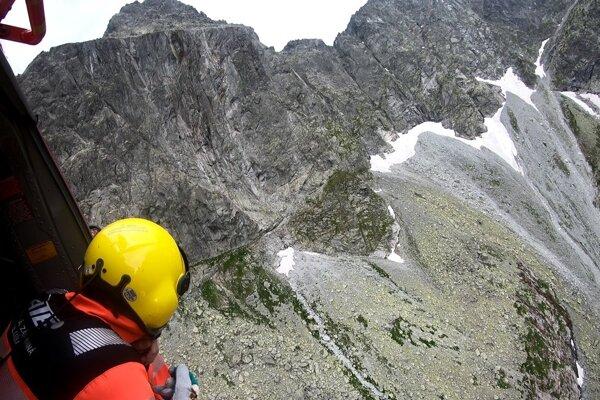 V Tatrách pomáhali horolezcom.