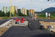 Oprava schodov a nájazdovej rampy na Mukačevskej ulici.