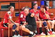 Ženy Šale vedie tréner Peter Pčola s asistentkou Andreou Šalatovou.