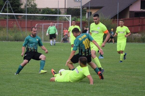 Diváci cez víkend po dlhej dobe videli futbalové súboje.