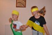 Mister Adrián Czető (8) a jeho sestra, miss Ema Joy Czetőová (12) sa po rodinnom double trochu odviazali.