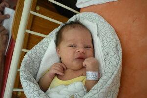 Melánia Mikulová (3040 g, 49 cm) sa narodila 27. júla Natálii a Michalovi z Trenčianskej Turnej.
