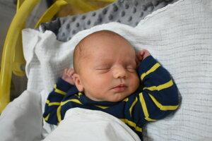 Adam Tomanica (3160 g, 50 cm) sa narodil 26. júla Leone a Richardovi z Ilavy.