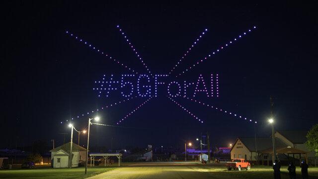 T-Mobile oslavuje rozšírenie 5G siete do stoviek malých miest naprieč USA
