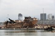Explóziou zdevastovaný prístav v Bejrúte