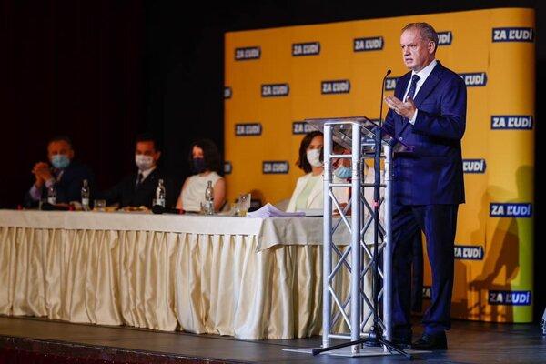 Andrej Kiska na sneme strany.