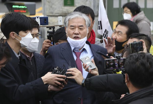 Kontroverzný duchovný Čung Kwang-hun.