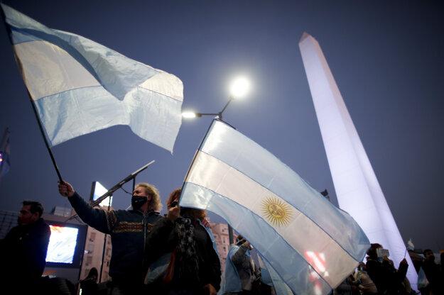 Argentína zažila dosial najväčšie protesty od začiatku pandémie ochorenia Covid-19.
