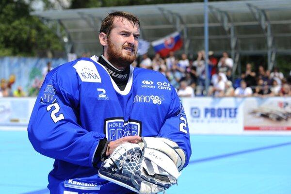 Brankár hokejbalistov Považskej Bystrice Peter Buliš