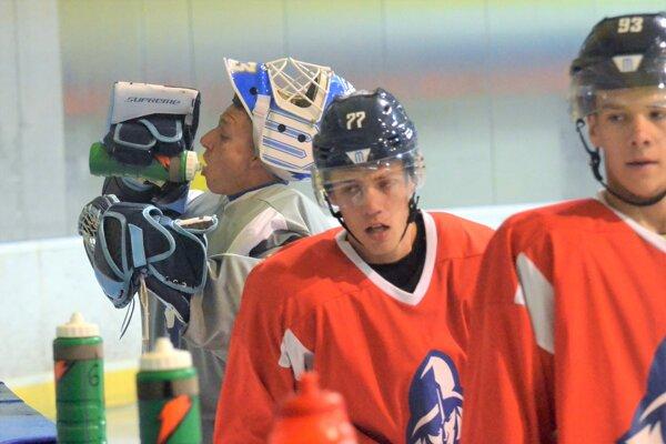 Hokejisti Martina už naplno zarezávajú na ľade.