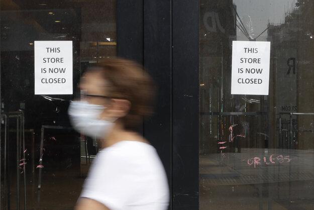 V Británii sa zvýšilo reprodukčné číslo vírusu.