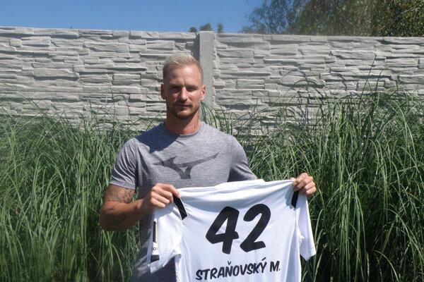 Martin Straňovský si po dlhých rokoch natiahne opäť na seba dres svojho materského klubu MHC Štart Nové Zámky.