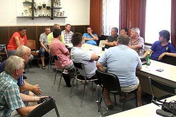 Zástupcovia klubov zo súťaží ZsFZ sa stretli na pôde ČFK Nitra.