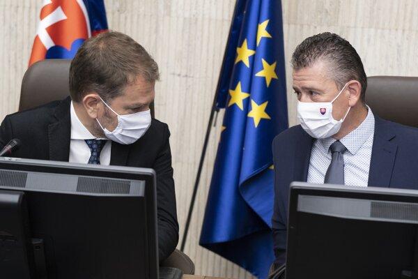 Predseda vlády Igor Matovič a minister vnútra Roman Mikulec.