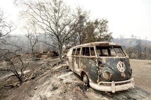 Požiar zničil aj lesy v kalifornskom údolí Napa.