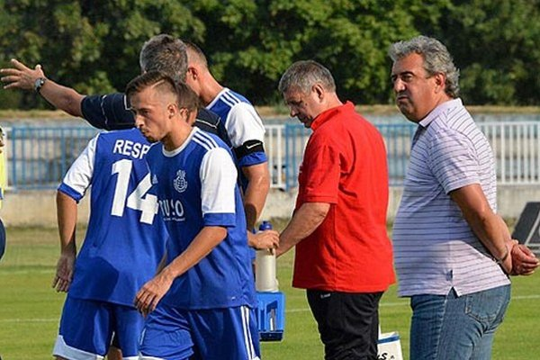 Domáca trénera mužstva Petra Gergelyho (vpravo) bola víťazná.