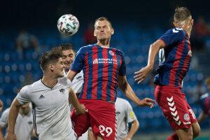 Málo chýbalo, aby z aktivity dlháňa Tomáša Maleca senicky gólovo zaiskrilo v nitrianskej sieti.
