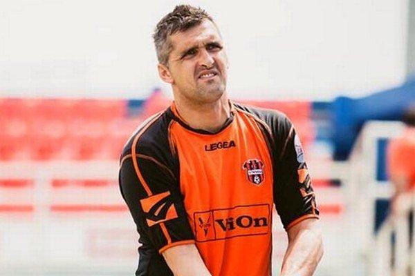 Pavel Kováč absentuje v bráne FC ViOn pre zlomenú ruku.