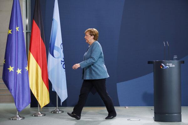 Merkelová chce odpovede z Ruska.