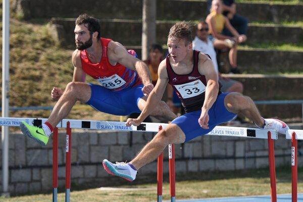 Matej Baluch (vpravo) na majstrovstvách SR. Bol tam najúspešnejším východniarom.