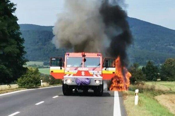 Posádka auta zranená nebola.