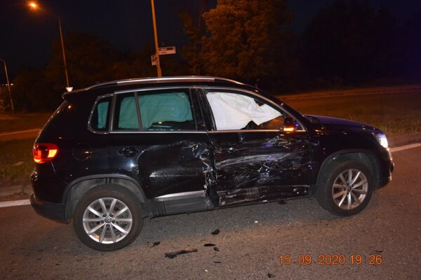 Poškodený volkswagen.