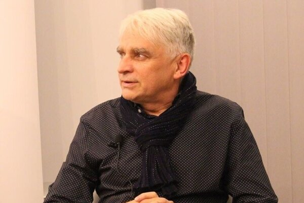 Výtvarník Oleg Šuk pochádzal z Kazachstanu, v 80. rokoch prišiel študovať na Slovensko.