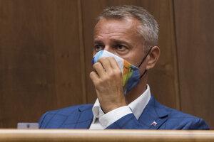 Na snímke poslanec Richard Raši (nezaradený) počas 12. schôdze Národnej rady SR v Bratislave v stredu 16. septembra 2020.