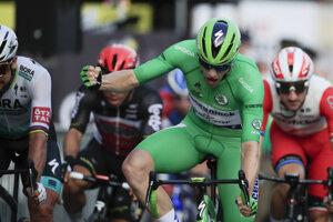 Sam Bennett vyhral záverečnú etapu.