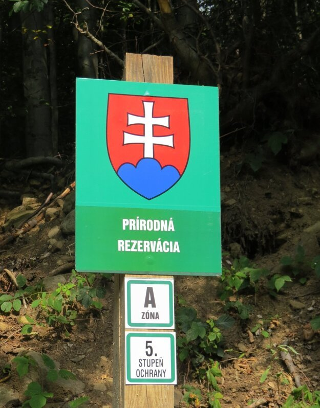 Zóna A s piatym stupňom ochrany má v rezervácii výmeru 1574 hektárov.