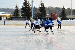 Hobby hokej na svidníckom klzisku.