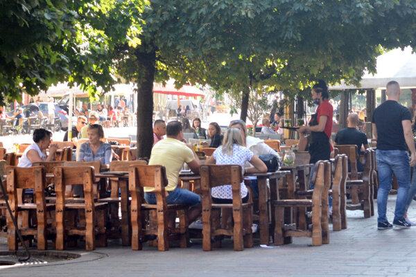 Vedenie mesta avizovalo stopku drevenému sedeniu. V praxi sa však neuplatnila.