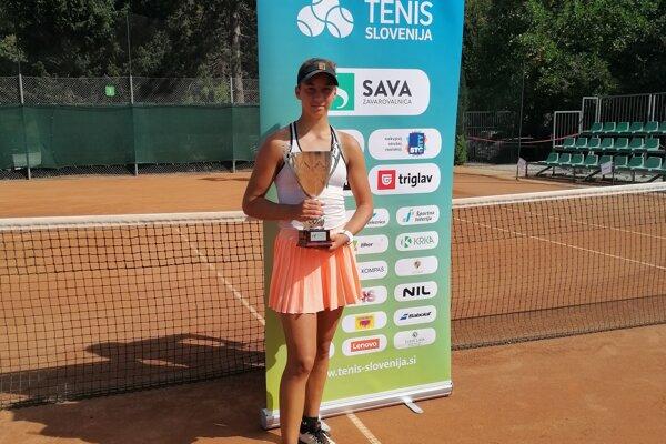 Talentovaná Salma Drugdová v Slovinsku.
