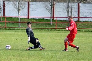Jediný gól zápasu strelil Erik Penzeš.