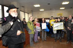 Plánovaná ťažba na Jahodnej vyvolala v minulosti silný odpor Košičanov. Podľa Rovinského ožíva v plánoch eurokomisára.