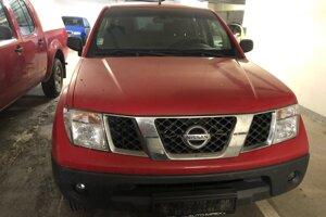 Predaj cestného motorového vozidla zn. Nissan Navara DoubleCab 2.5D. Vyvolávacia cena 7 600 eur.
