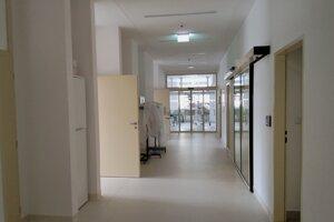 Pohľad do chodby na novorodeneckom oddelení v martinskej nemocnici.