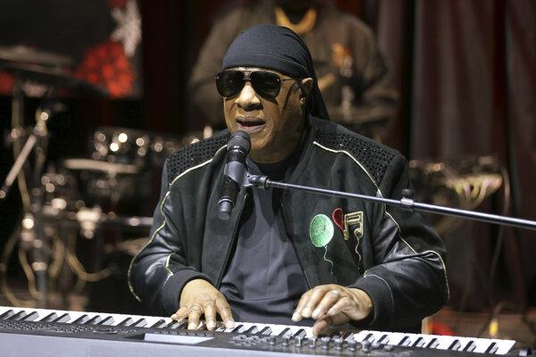 Stevie Wonder sa ešte nechystá do dôchodku, po pätnástich rokoch vydal nové skladby a avizuje nový album.