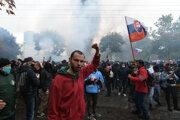 Nepovolený protest pred Úradom vlády SR v Bratislave.