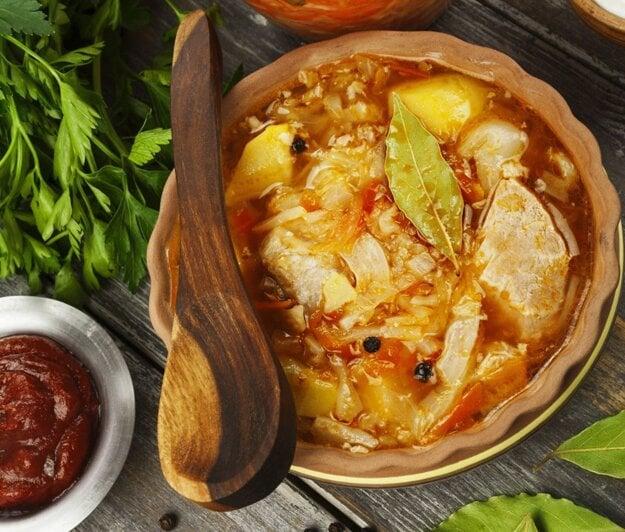 Kapustovo-fazuľová polievka