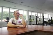Tomáš Urbaník si v súčasnosti musí odoprieť aj cvičenie vo fitness centre.