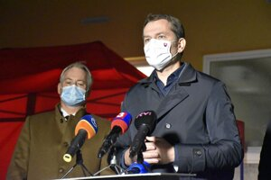 Premiér Igor Matovič na tlačovej konferencii v Námestove.