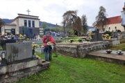 V kysuckých obciach sa intenzívne venovali úpravám cintorínov. Inak tomu nebolo ani vo Vysokej nad Kysucou.