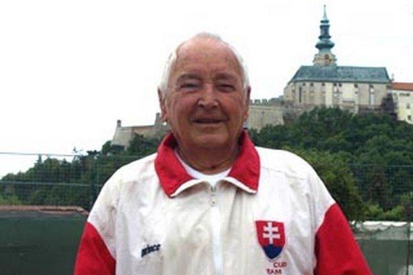 Nezmar Štefan Varchulík má síce 80 rokov, ale kondíciu štyridsiatnika.