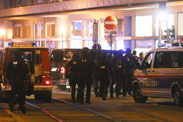 Polícia pri mieste činu vo Viedni