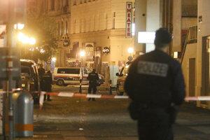 Uzatvorená ulica v centre Viedne po teroristickom útoku.