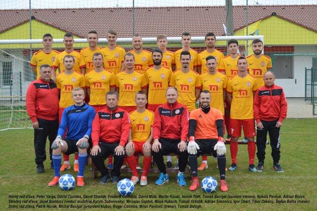 Mužstvo TJ Imeľ, ktoré si vybojovalo vsezóne 2019/2020 účasť vIII. lige – Západ.