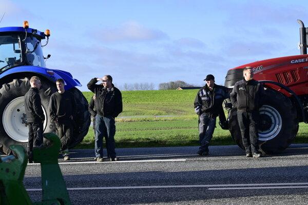 Farmári v zasiahnutej oblasti v Dánsku.