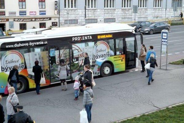 Počet cestujúcich v mestskej autobusovej doprave v Nitre za posledné roky mierne stúpol.
